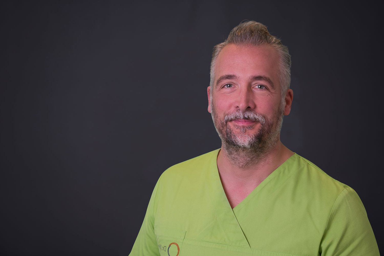 Dr. Rolf Weiss